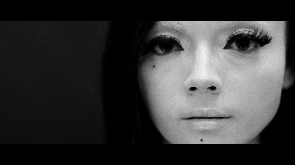 Manquin Girl-001-4